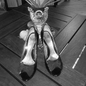 Sofft Shoe black patent leather peep toe heels